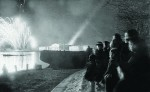 НаНеве вовремя праздничного фейерверка вДень Победы. 9мая 1945г.